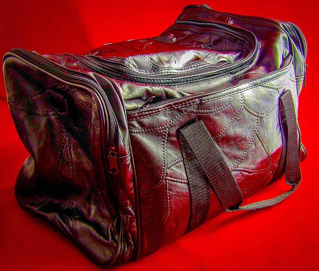 """Giovanni Navarre 17"""" Italian Stone Design Genuine Leather Tote Bag"""