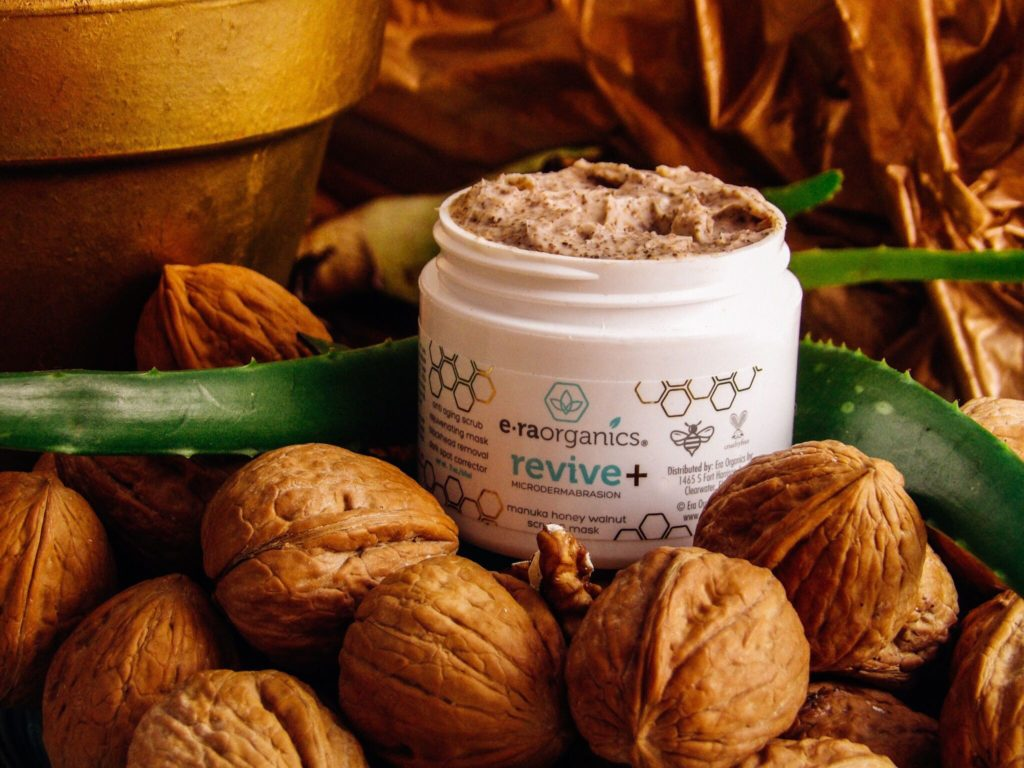 Era Organics Manuka Honey Walnut Facial Scrub