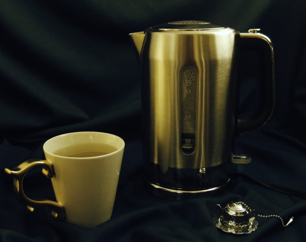The Brewberry Kettle makes it easy to make a relaxing after-dinner cup of tea