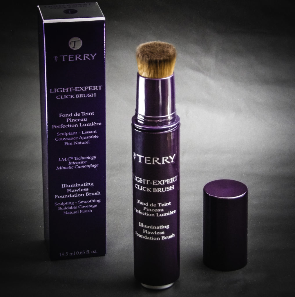 By Terry Light-Expert Click Brush Foundation