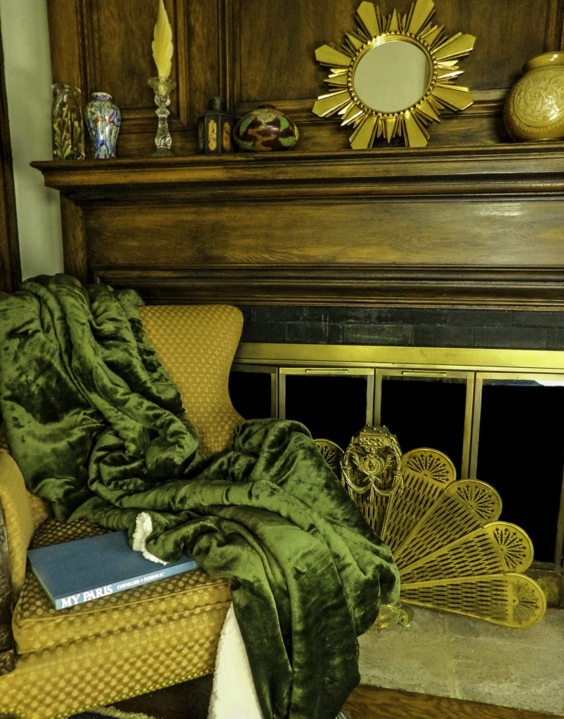 Bedsure Sherpa Blanket in Olive