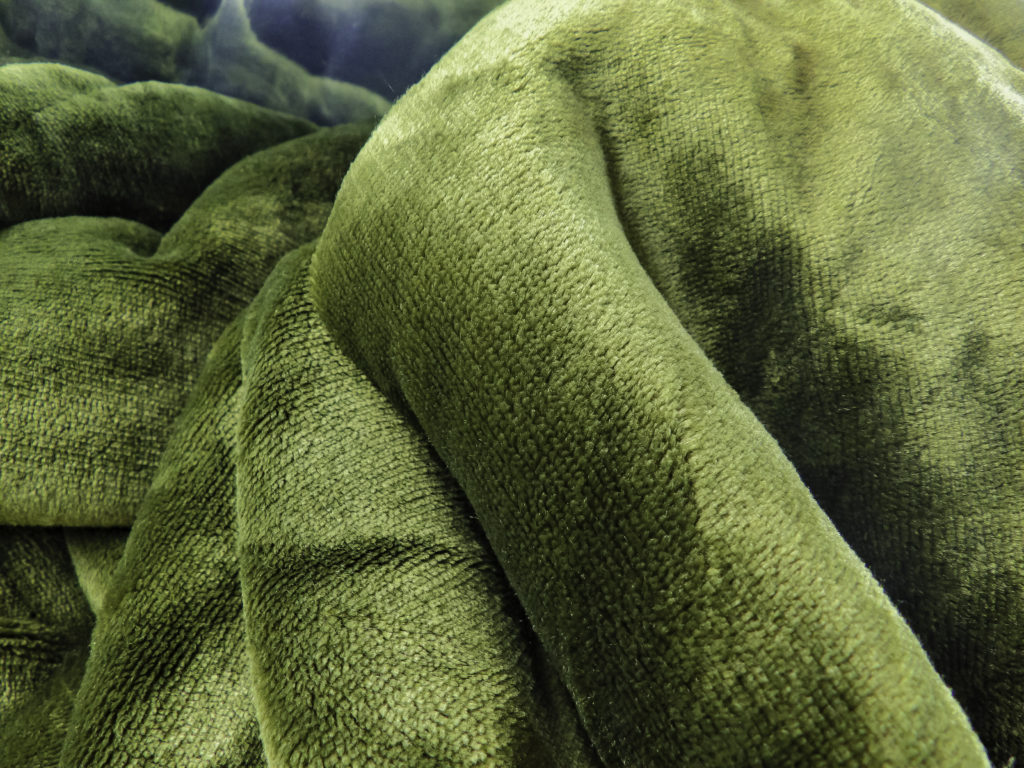 Bedsure blanket in Olive Green