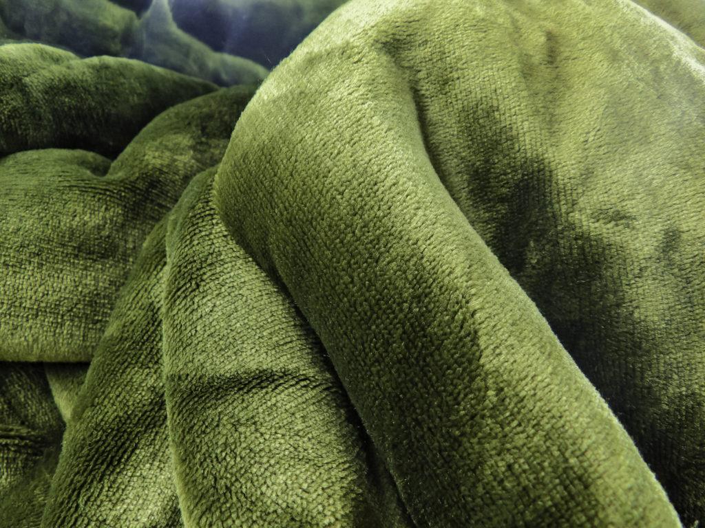 Bedsure blanket in Olive Green