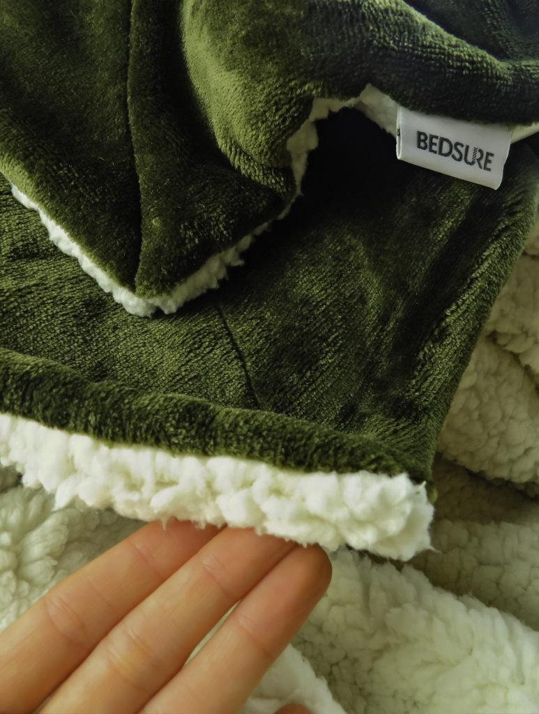 Dual sided reversible Bedsure blanket
