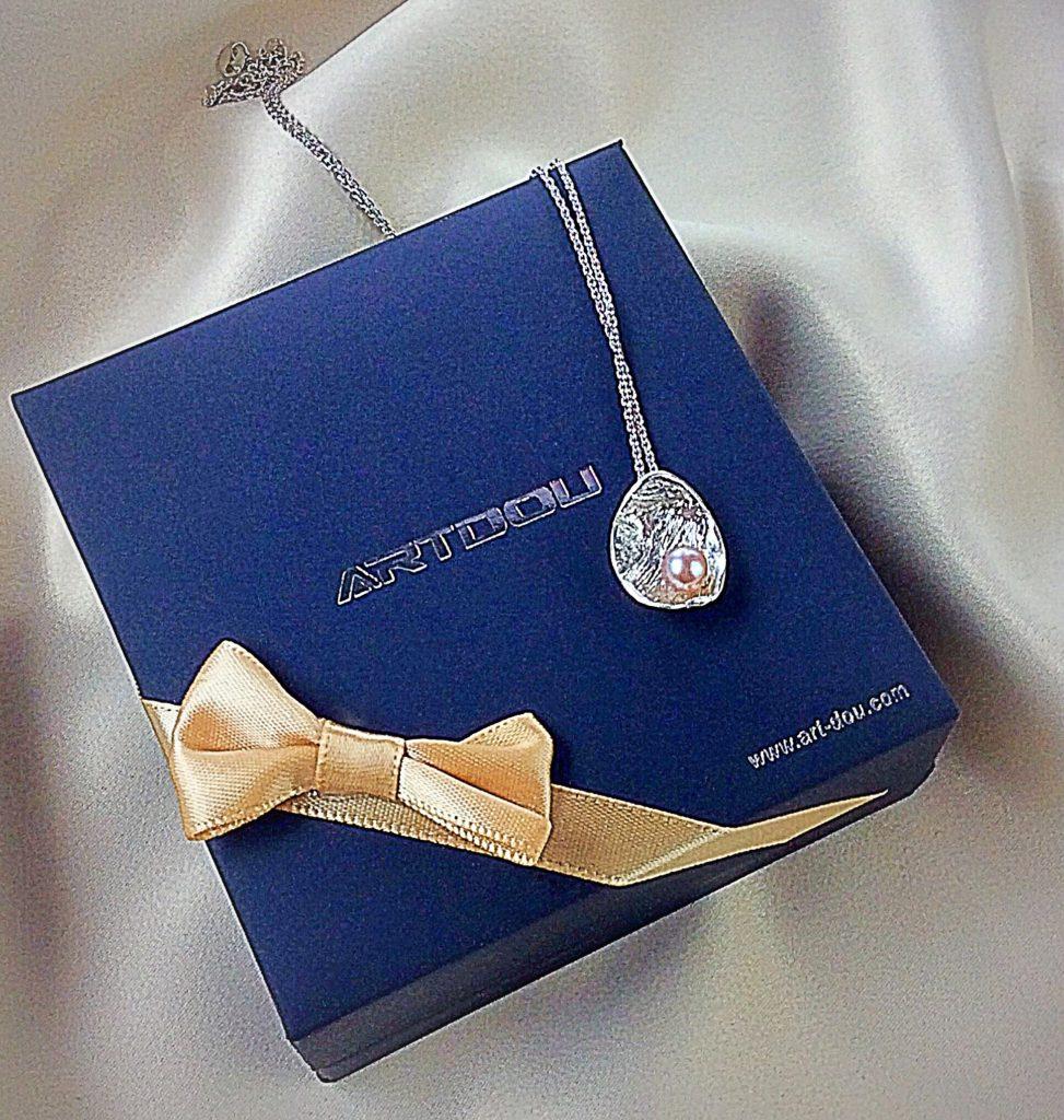 Artduo Gift box and pendant