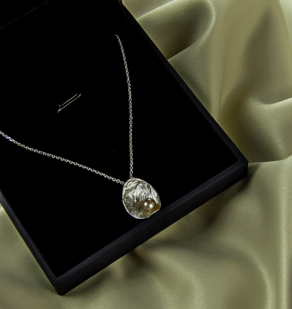 Artduo luxe velvet lined gift box