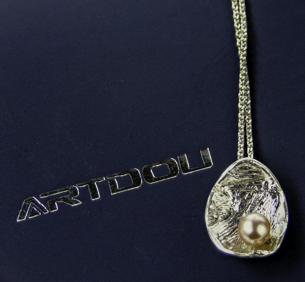 Arturo Pendant