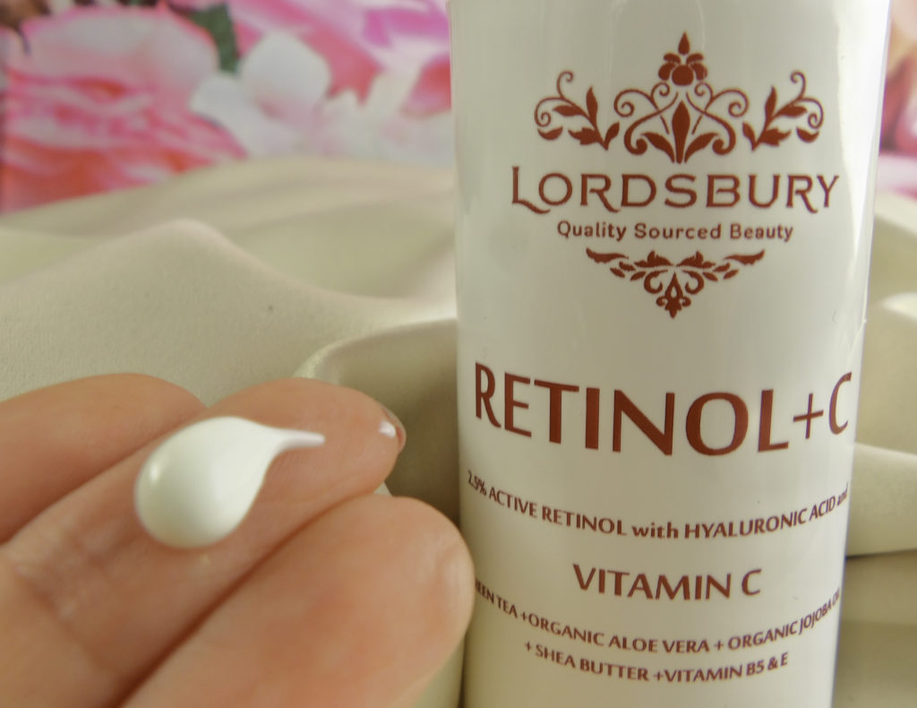 Just a small dollop of Lordsbury Retinol+C Cream Moisturizer provides the power of Retinol, Vitamin C, and rich moisturizing cream that is gentle enough for the delicate eye area