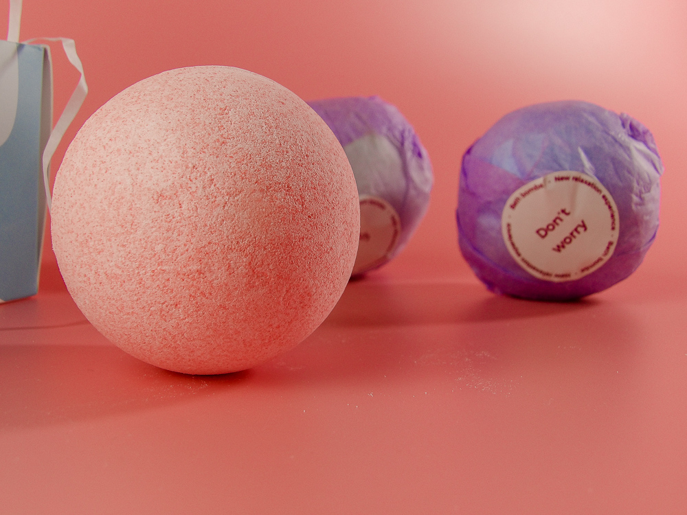 Cute & Young Bath Bombs are made of organic ingredients including Essential Oils, Epsom Salts, and Dead Sea Salts