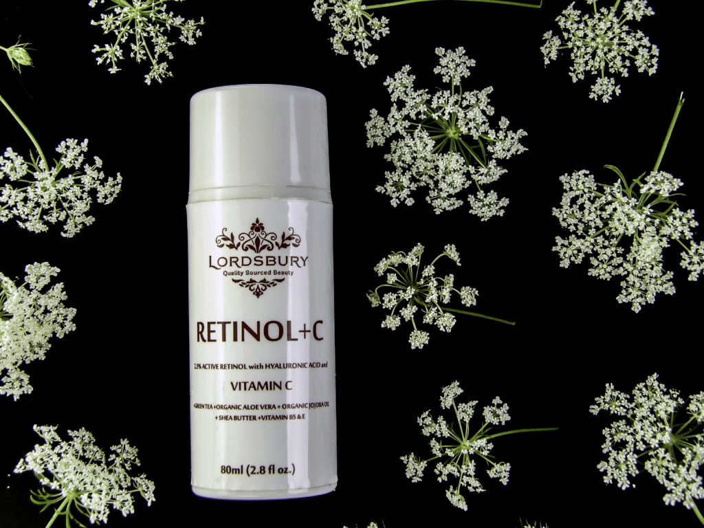 Lordsbury Retinol+C Moisturizing Cream improves the appearance of dark under eye circles