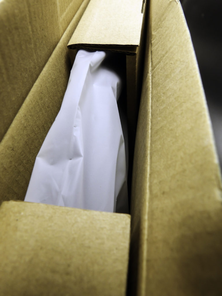 Sturdy internal packing materials keeps scale safe