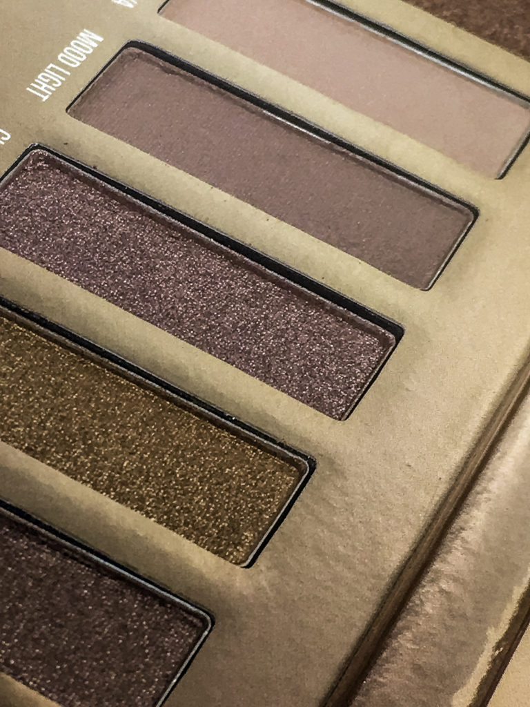 Highly pigmented and creamy smooth formula shadows