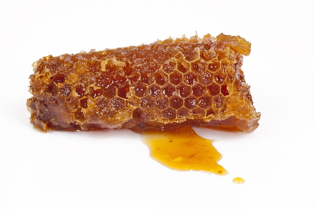 Raw honey is a versatile natural skincare ingredient