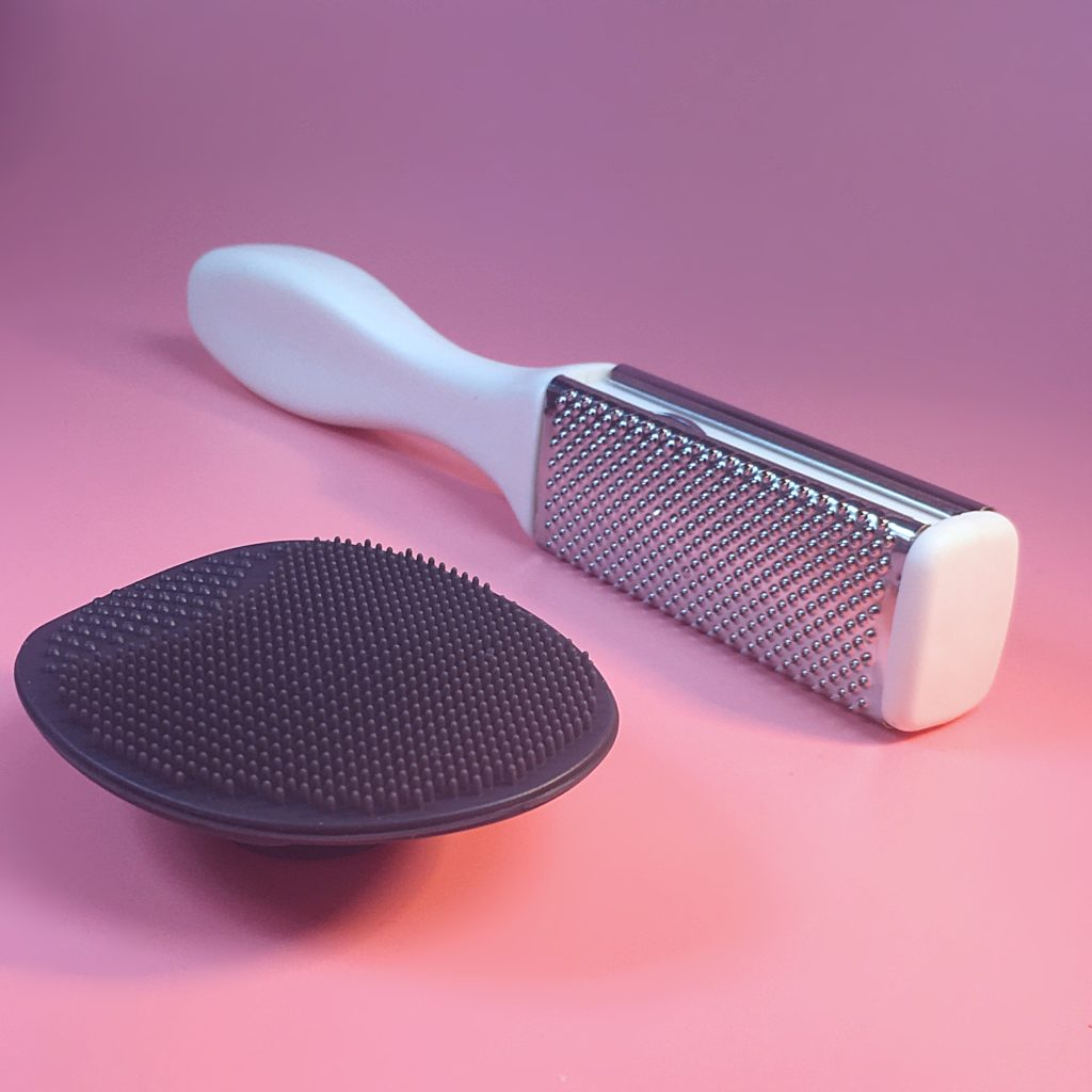 Well made dual sided foot rasp and silicone scrubber