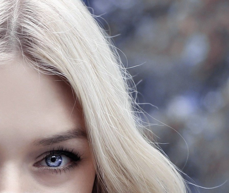 Keep yellow tones out of your natural or enhanced blonde