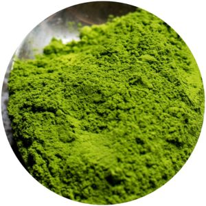 Mad Hippie 2-Minute Polishing Mask contains matcha powder
