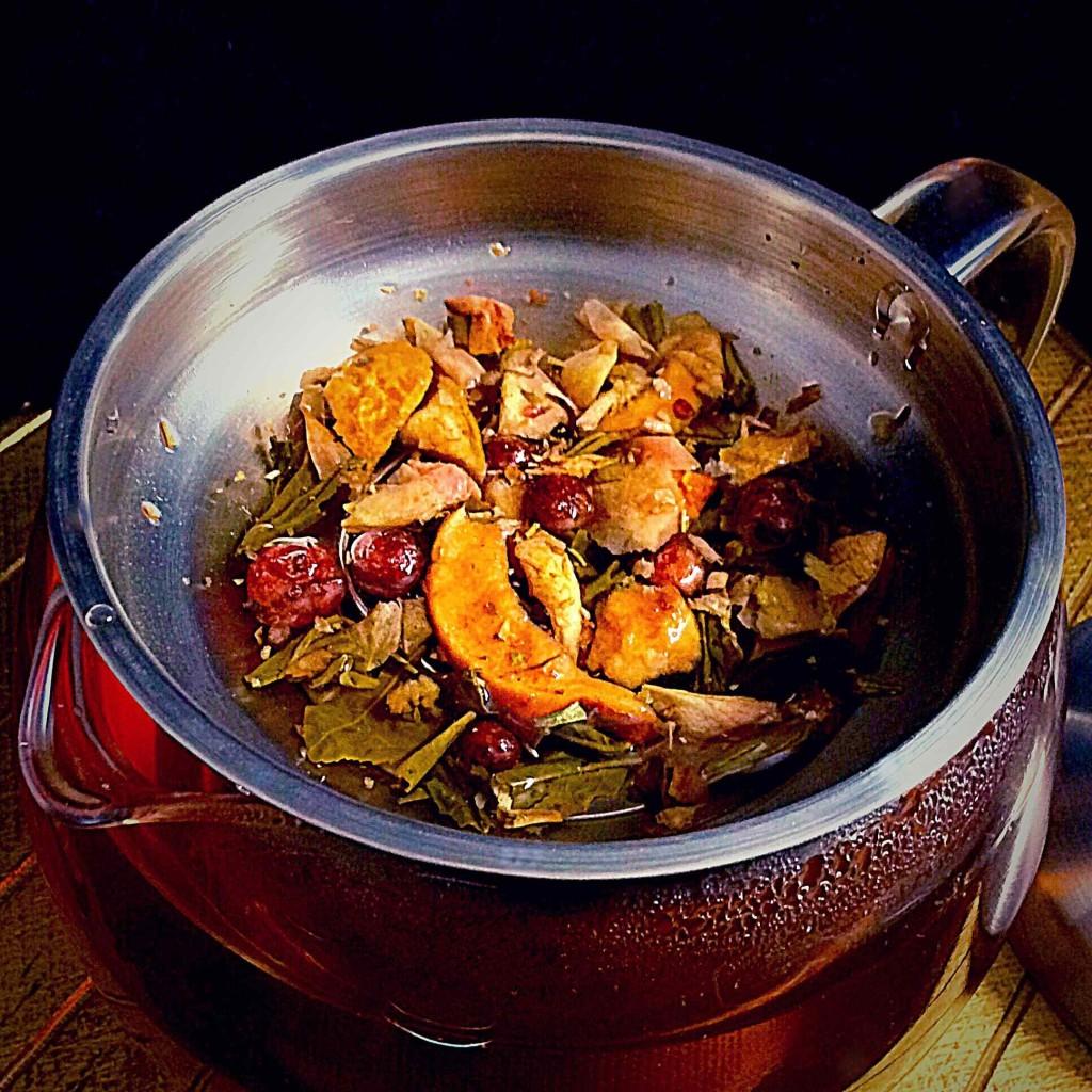 Willow & Everett Glass Teapot Infuser Warmer