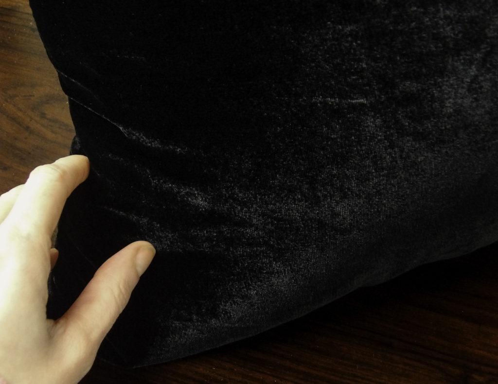 Silk fibers make the velvet pillow soft to the touch and give an attractive sheen