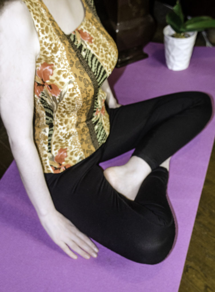 Comfortable and moisture-wicking fabric to wear during Yoga , Pilates, Barre, and other workouts