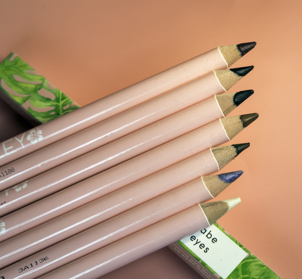 Caley liners are highly pigmented gel-like formulations
