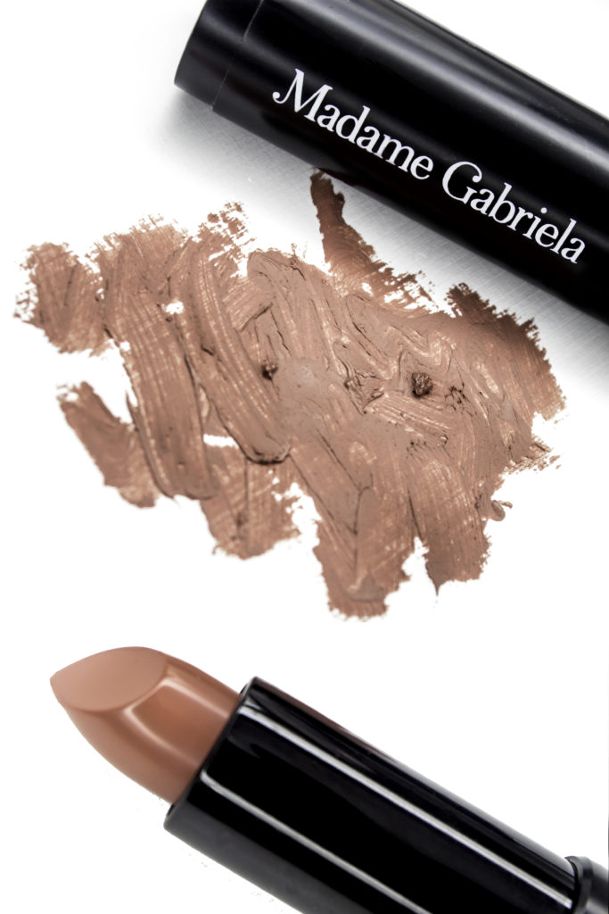 Smooth texture, highly pigmented